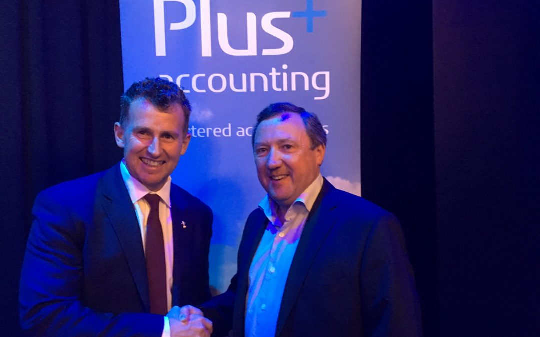Nigel Owens meets Paul Feist!