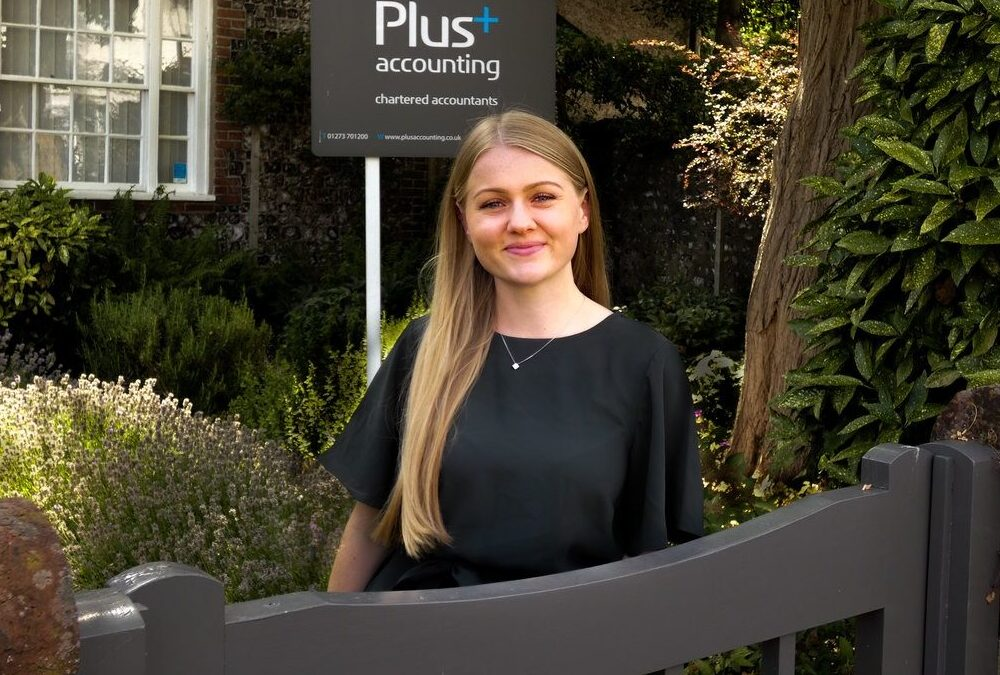 Lucy Robinson joins the team as a Trainee Accountant!